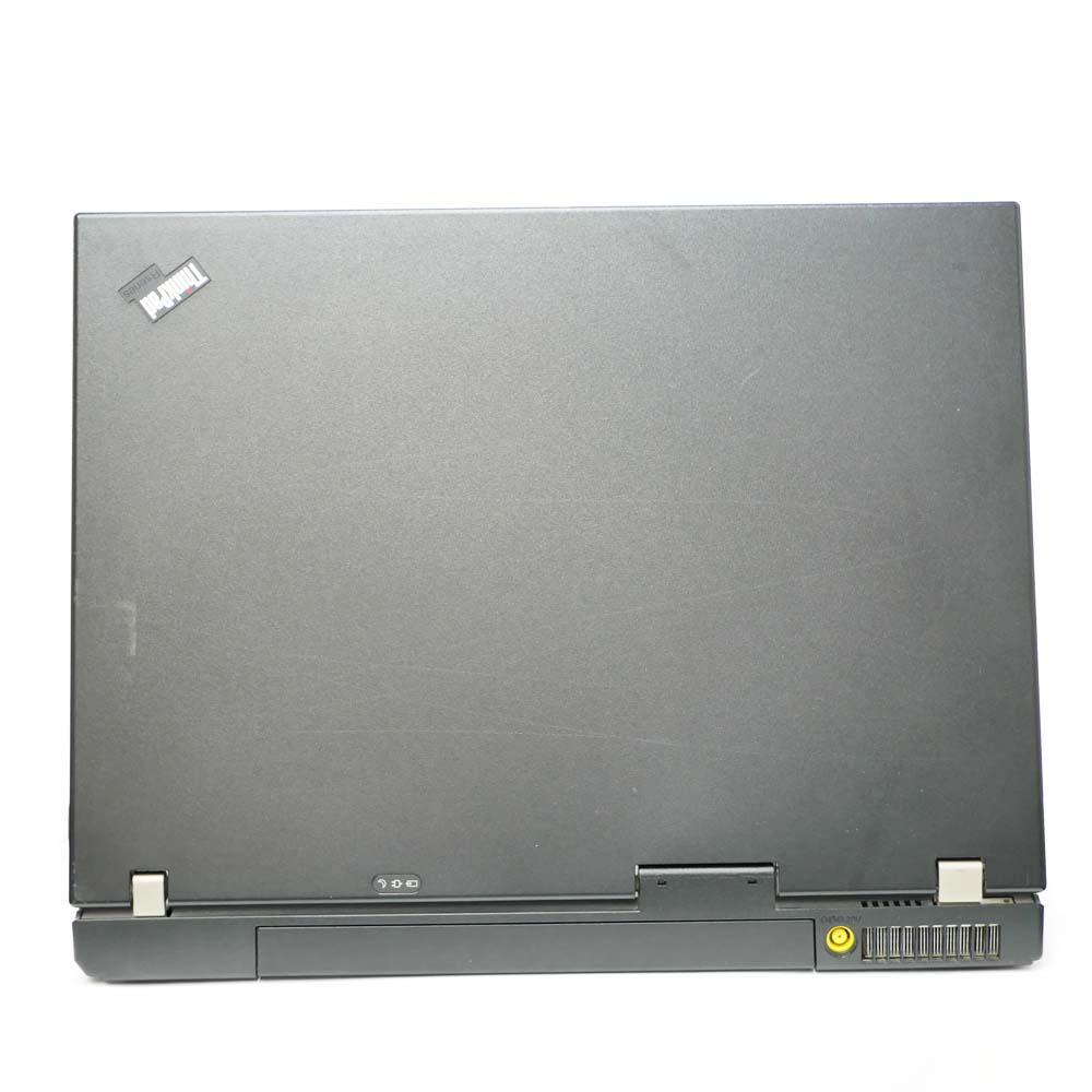 Lenovo ThinkPad R61eの背面