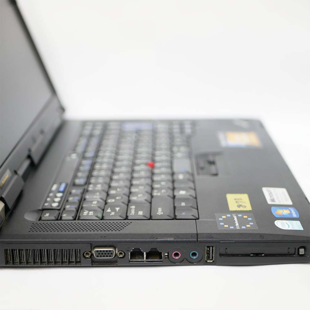 Lenovo ThinkPad R61eの左側面