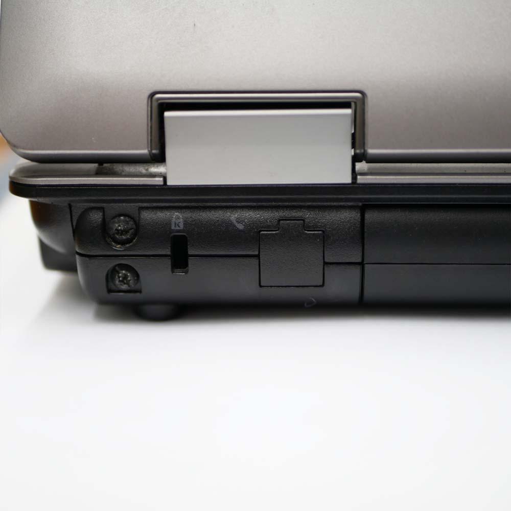 HP Probook 6550Bの背面端子左